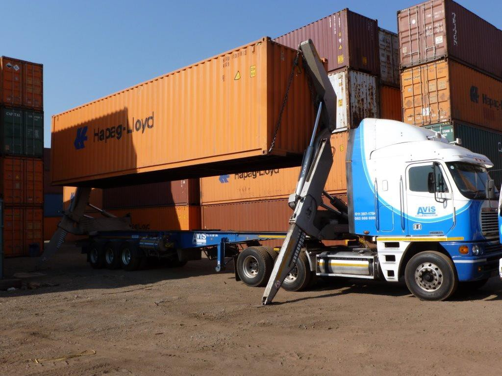 container-lifts3