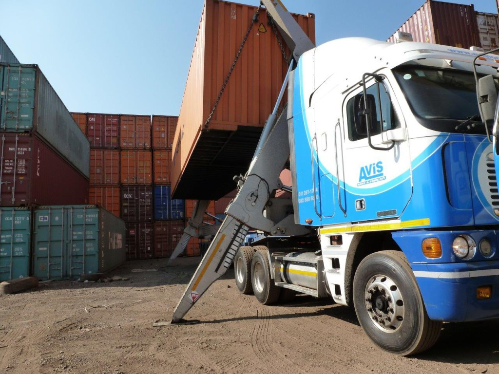 container-lifts4