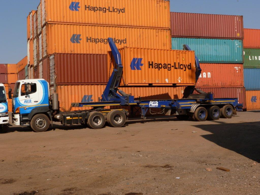 container-lifts8